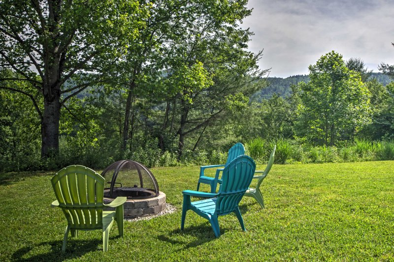 For the ultimate mountain retreat, book this charming vacation rental house!