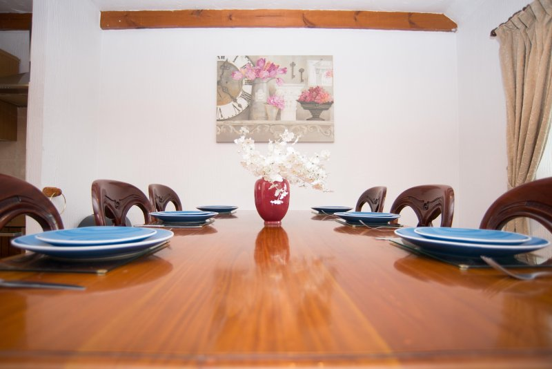 Templand cottage dinning table