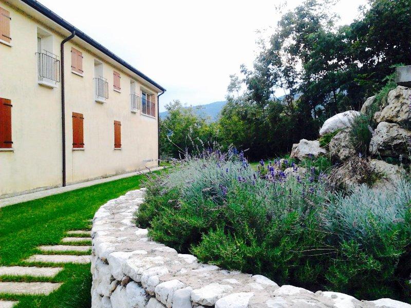 Beehouse - La Casa delle Api Agriturismo, holiday rental in Casoni