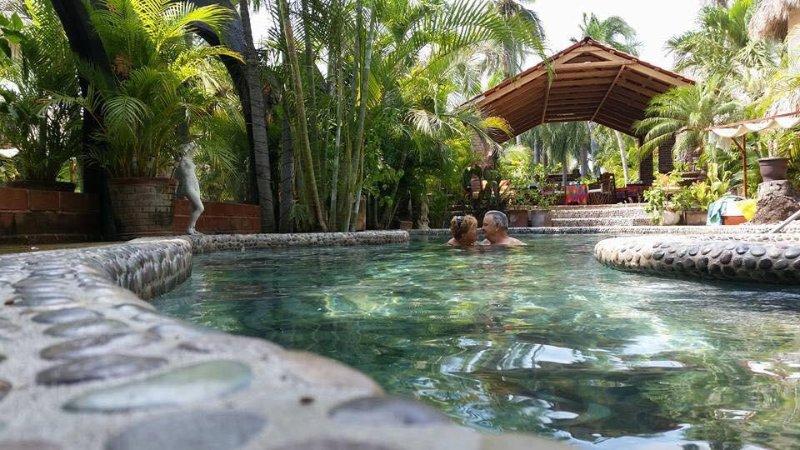 Hacienda La Rusa BnB: where Jungle meets Beach, holiday rental in Playa Blanca