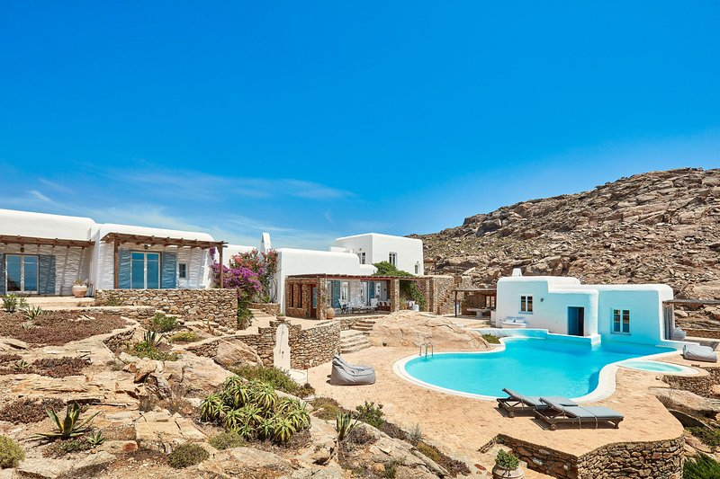Dolce Vita Mykonos Estate - Owner's Listing - 6 Bedroom Villa, holiday rental in Elia