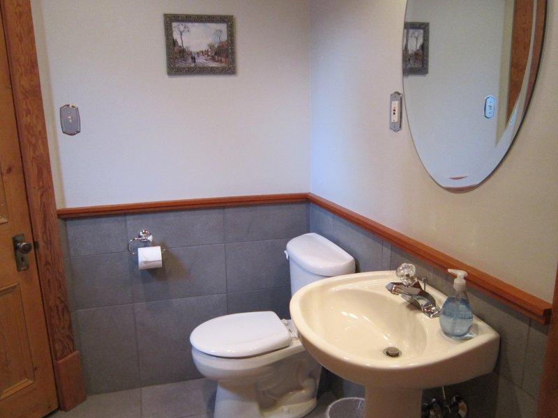 medio baño, planta principal
