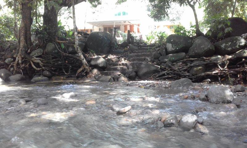 YlangYlang riverside villa, aluguéis de temporada em La Plaine