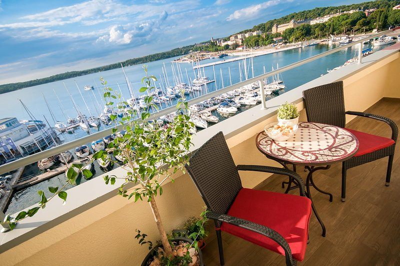 Beautiful Sea View Apartment Pula, holiday rental in Pula