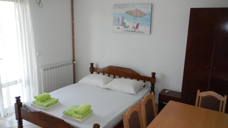 Apartments StellaMaris.Me Suite№2, holiday rental in Donji Stoj
