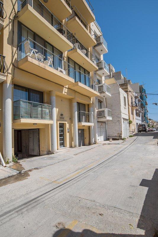 Building Block of 12 apartments