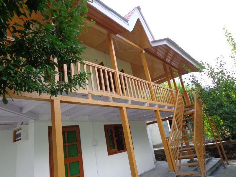 Teja Wooden Cottages, vacation rental in Multhan