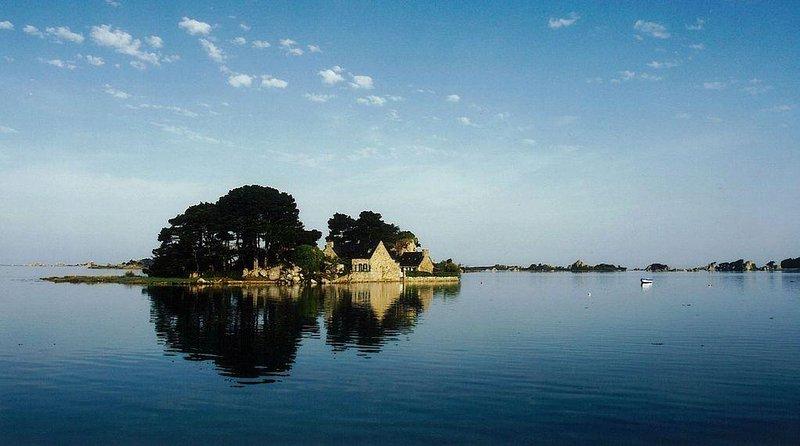 Coz Castel - louez une île privée en Bretagne, location de vacances à Penvenan