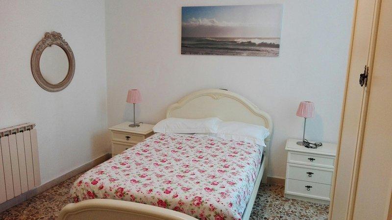 Appartamento a pochi passi dai battelli, location de vacances à Pugliola