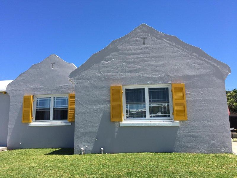 Slate & Daffodil 1-Bedroom Bermuda Rental, vacation rental in Bermuda
