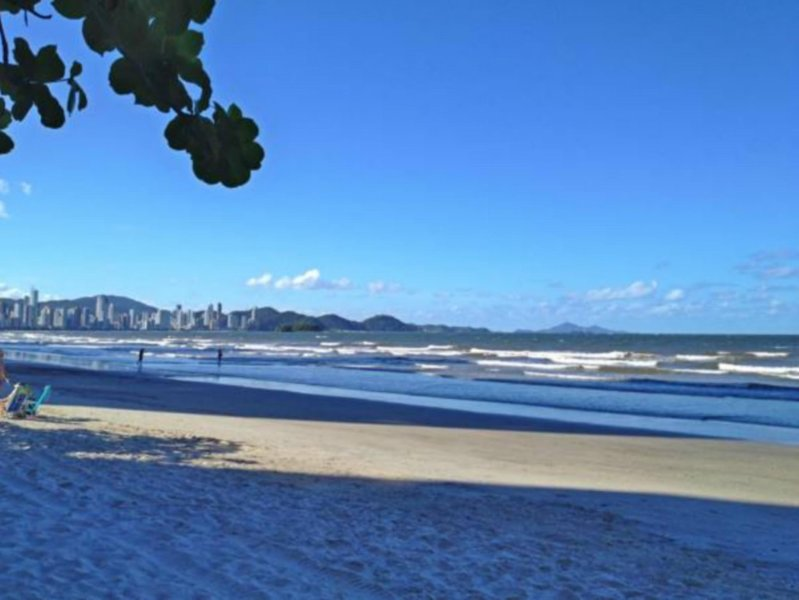 Apto em Balneário Camboriú Praia e Mar, alquiler de vacaciones en Balneario Camboriu