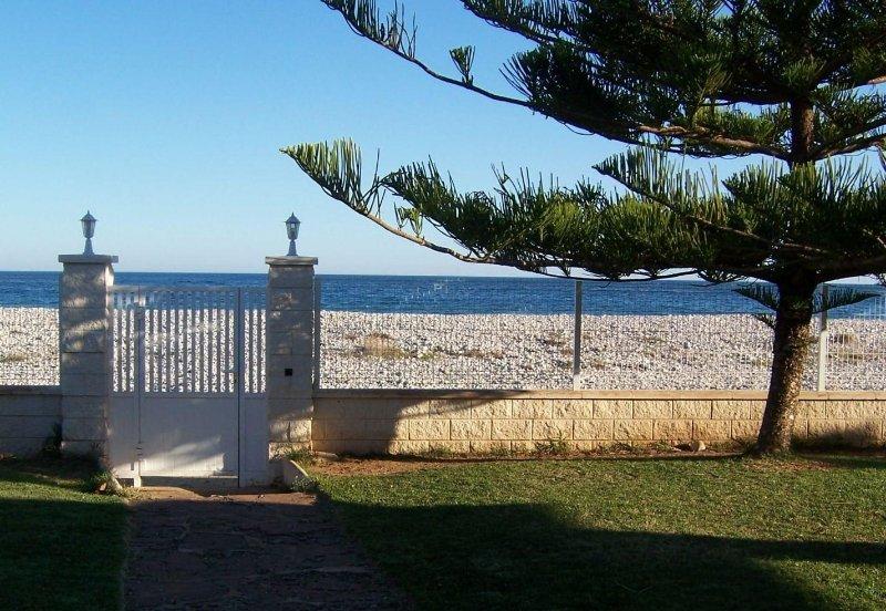 Entrada con vistas al mar