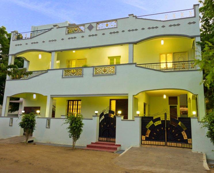 IKOS Serviced Apartments, location de vacances à Coimbatore