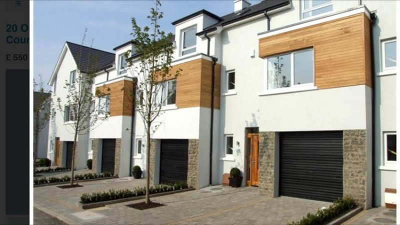 Portstewart 3 Bed Townhouse - 3 minute walk to promenade, vacation rental in Portstewart