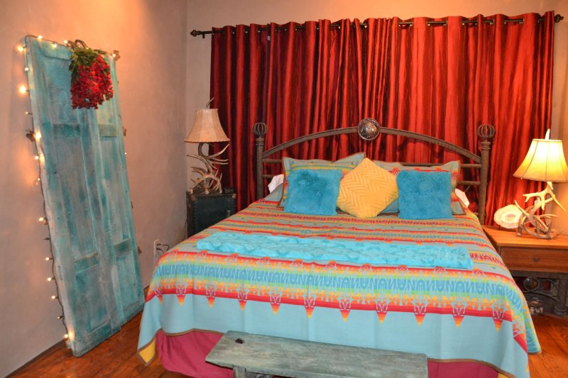 Master bedroom with Santa Fe colors and a King Bed