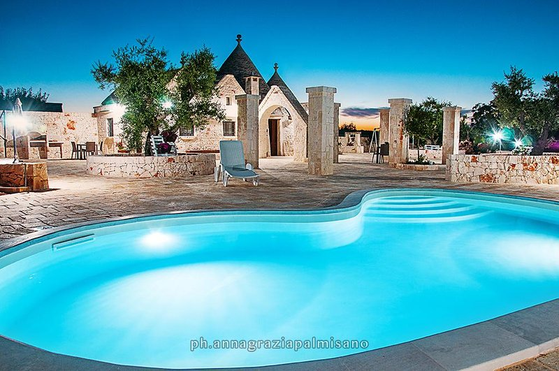 Trulli COLLE DEL NOCE with pool and big garden, holiday rental in Martina Franca