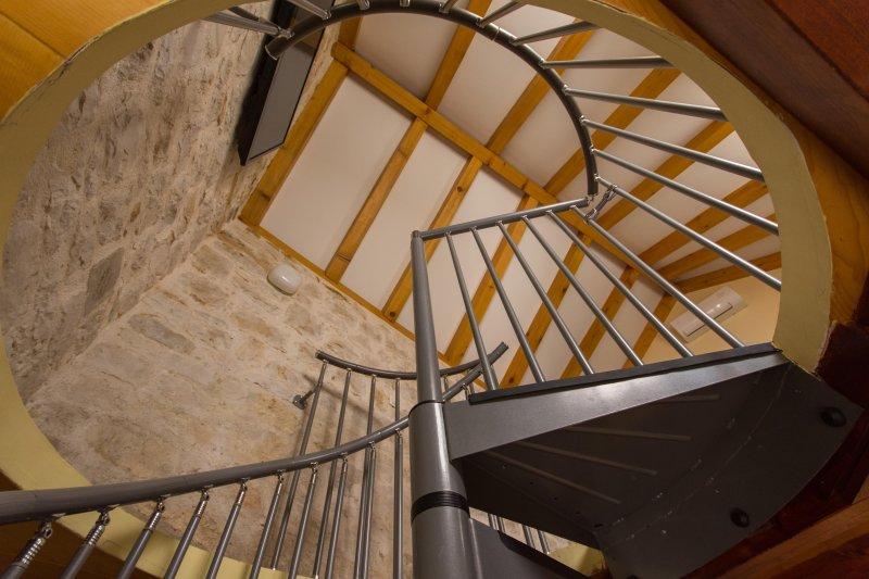 escalier en colimaçon liquidation 3 niveaux