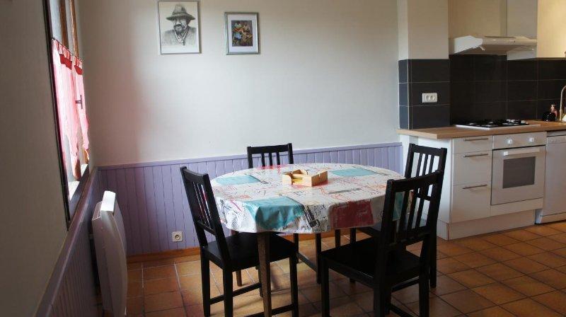 LA FERME TRANQUILLE - GÎTE JARDIN, holiday rental in Rivel