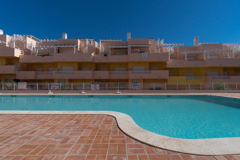 Trife Blue Apartment, Cabanas Tavira, Algarve, holiday rental in Conceicao