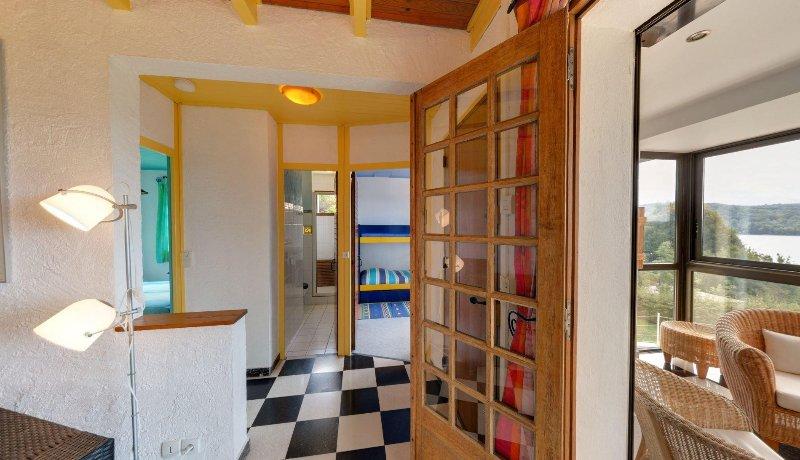 1. Stock Wohnzimmer TV