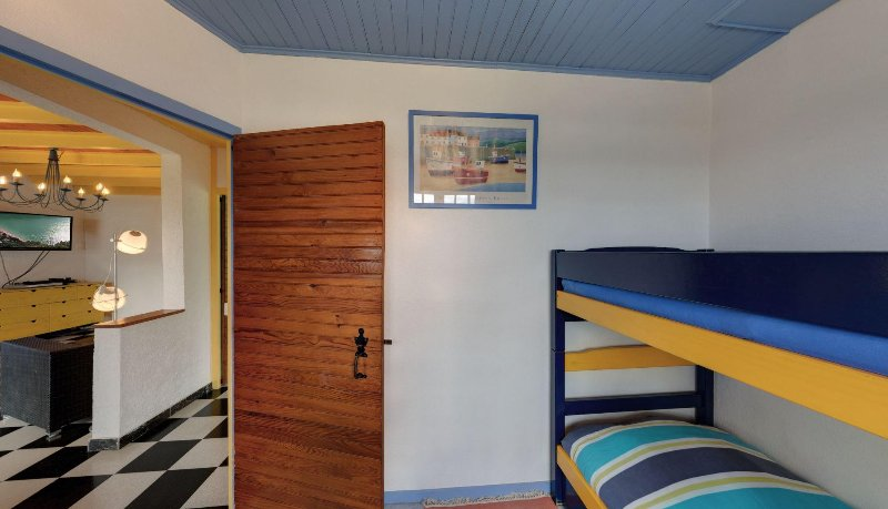 Blue Room 1st Floor