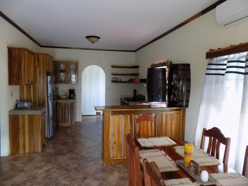 Capital Haven Guest House, holiday rental in Cayo