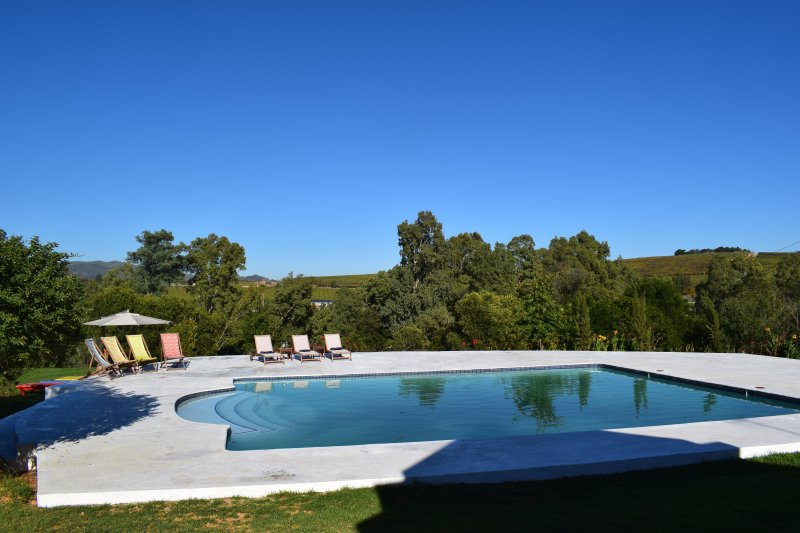 Lady Loch Country House & SPA with Jacuzzi 4 Star rated by Tourism Council SA, holiday rental in Riebeek Kasteel