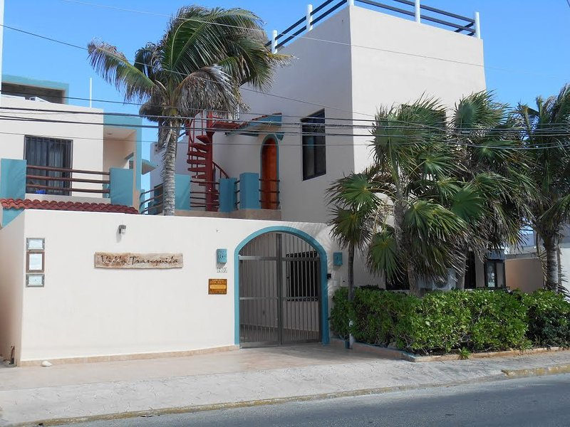 Four Bedroom Oceanfront Villa-Villa Tranquila, holiday rental in Isla Mujeres
