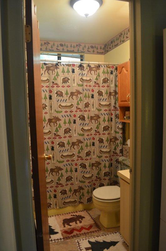 baño completo con bañera / ducha - no olvide sus toallas!