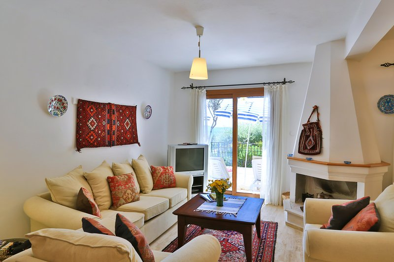 Villa Lycia : Great Villa With Shared Sea Platform & Pool, vacation rental in Kas