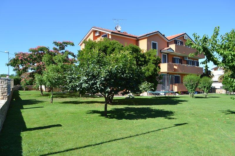 Appartamenti Juricic, holiday rental in Zambratija