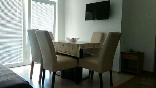 Apartment for  4+2 on second floor, vacation rental in Tribunj