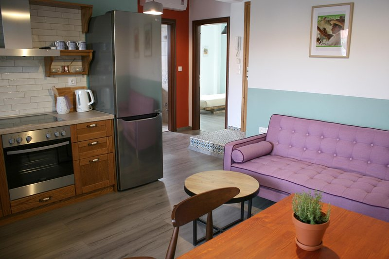 Aphelion: a two bedroom holiday apartment, vacation rental in Ormos Panagias