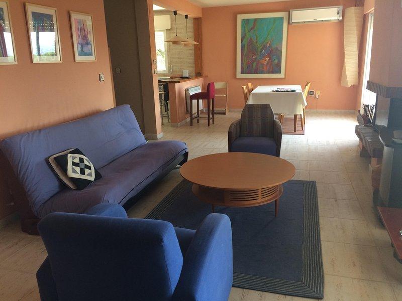 Casa de vacaciones a una hora de Madrid con vistas, vacation rental in El Casar de Escalona