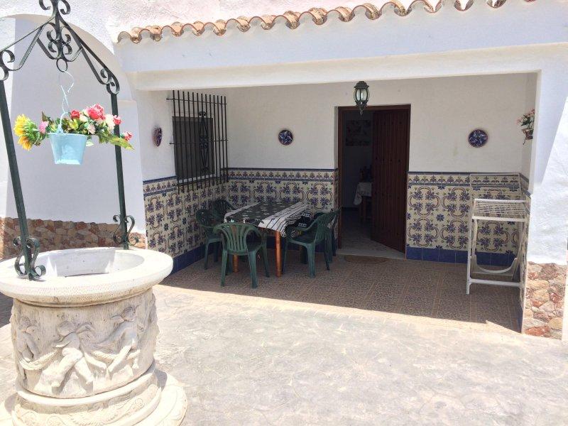 CASA RURAL 2 (piscina compartida), alquiler vacacional en Conil de la Frontera