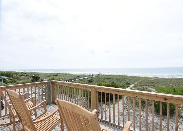 Seaside Cottage Oceanfront Deck