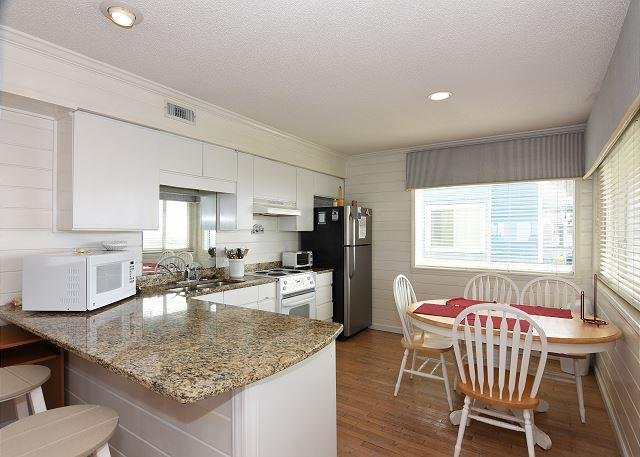 Amazing Grace - Downstairs Kitchen/Dining