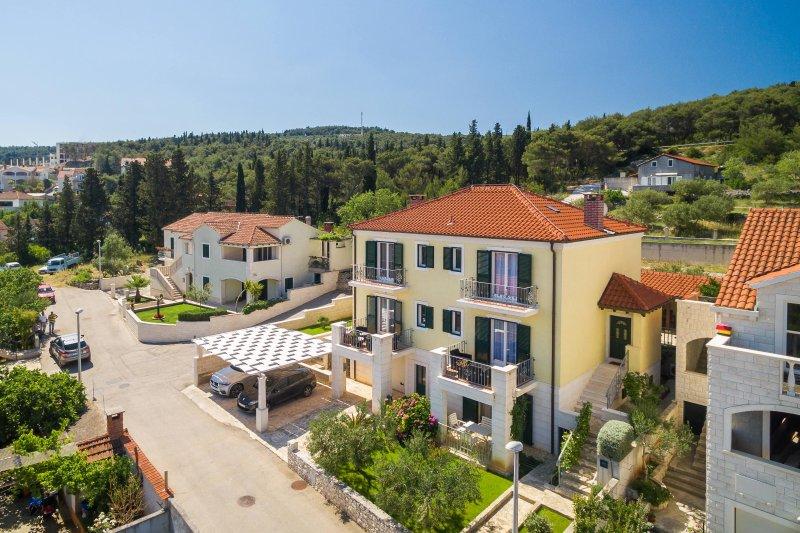 Villa Marela - Apartment Mali, vacation rental in Supetar