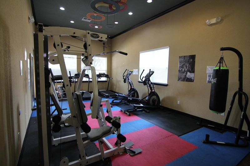 Gym in clubhouse for free use