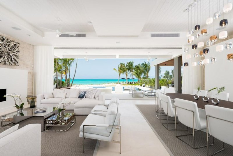 Beachfront fully staffed villa with unique design, vacation rental in Providenciales
