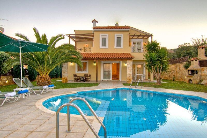 Anemoni - Gerani Villas With private pooi, aluguéis de temporada em Kato Valsamonero