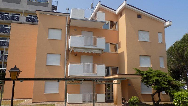 Appartamento rifinito nei minimi particolari, location de vacances à Ceggia