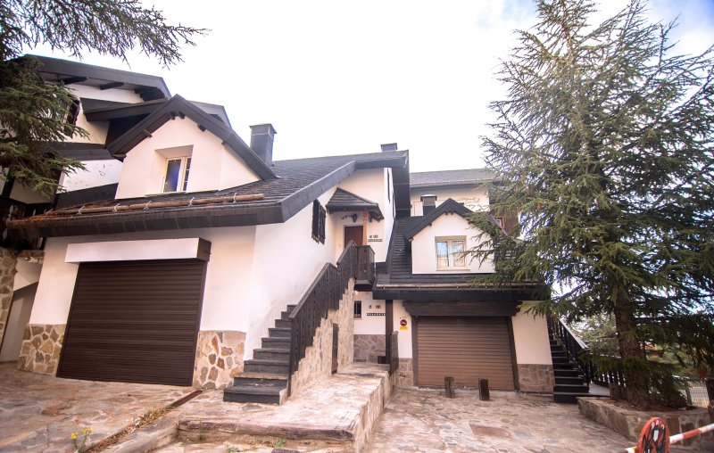 Chalet Luxury MADROÑO ASN  6 Pax., vacation rental in Sierra Nevada National Park