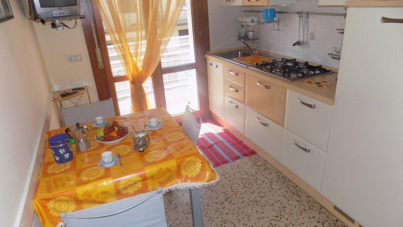Grazioso appartamento in zona tranquilla, casa vacanza a Eraclea