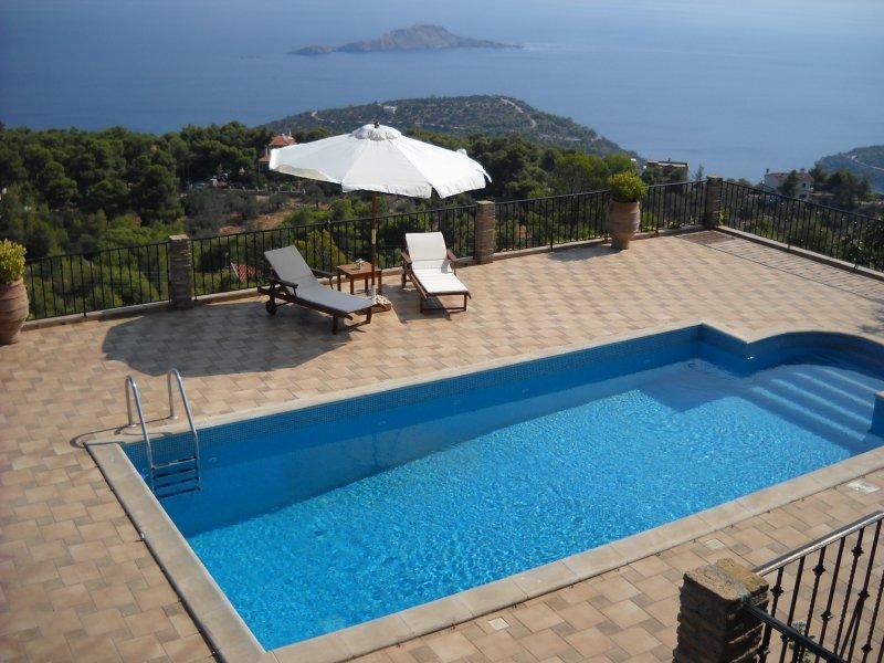 The Sea View Villa privately villa, holiday rental in Sofiko