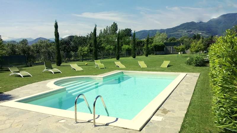 Toscana villa con piscina privata dotata di tutti i confort, alquiler vacacional en Marlia