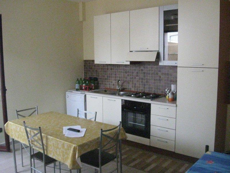 Appartamento Zaleuco- Ideale per le Famiglie, holiday rental in Gioiosa Ionica