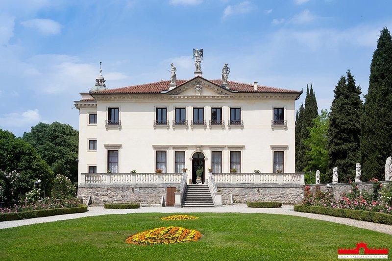 Palazzina di Villa Valmarana - Suite Ifigenia, holiday rental in Vicenza
