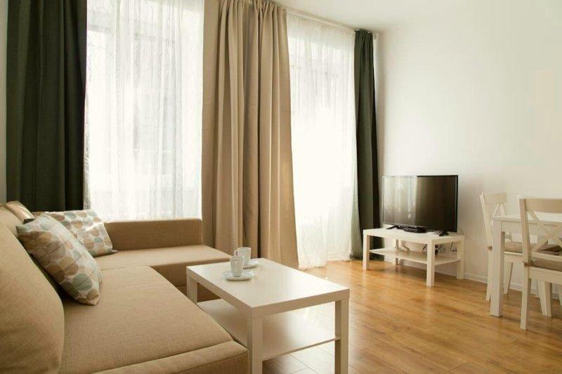 Sunny Residence BedRoom in City Center, holiday rental in Jantar