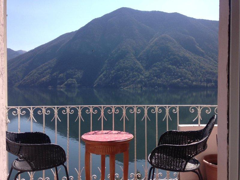 Una casa con il giardino e con il terrazzo, vacation rental in Province of Como